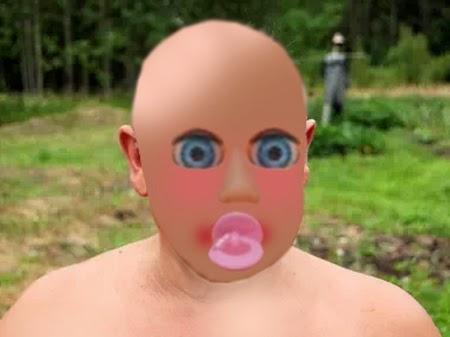 Hombre maquillado como un bebé