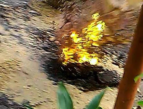 Lửa phun từ 'hố tử thần' sau tiếng nổ