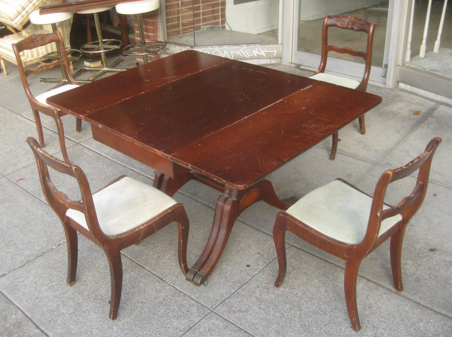 Uhuru furniture collectibles sold duncan phyfe dining for Dining room tables 1940s