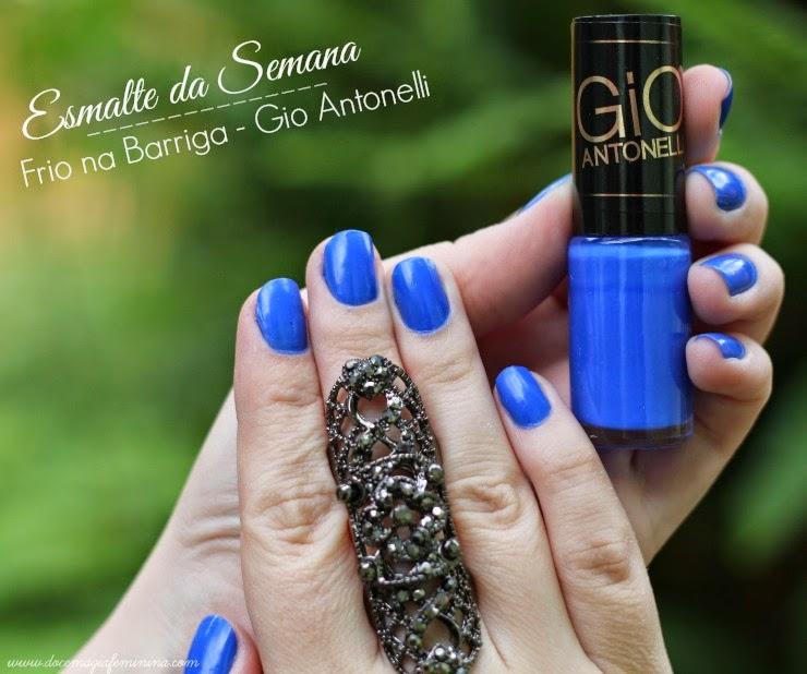 esmalte azul da giovana antonelli