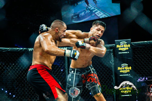 Bellator 21 Frank Carrillo defeats Sabah Homasi at Seminole Hard Rock Hotel & Casino in Hollywood, Florida on June 10, 2010. Photo: Jeremy Penn / Pennography  NIKON D90 72 1/320, 2.8, 1000