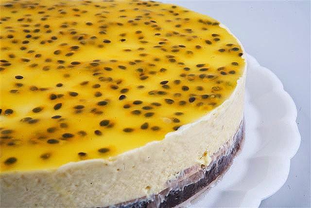 Torta de pêssego com calda de maracujá light