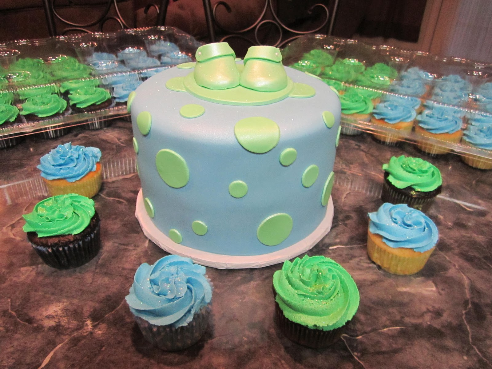 mymonicakes blue and green baby bootie shower cake matching