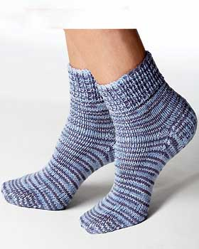 Free Knitting Pattern For Moon Socks : Miss Julias Patterns: Free Patterns - 50 Slippers & Socks to Knit &a...