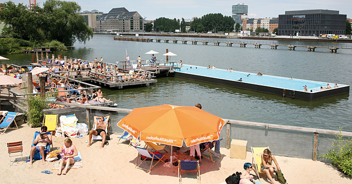Fashion Blog Badeschiff Berlin Swimmingpool River Beach Stadsstrand