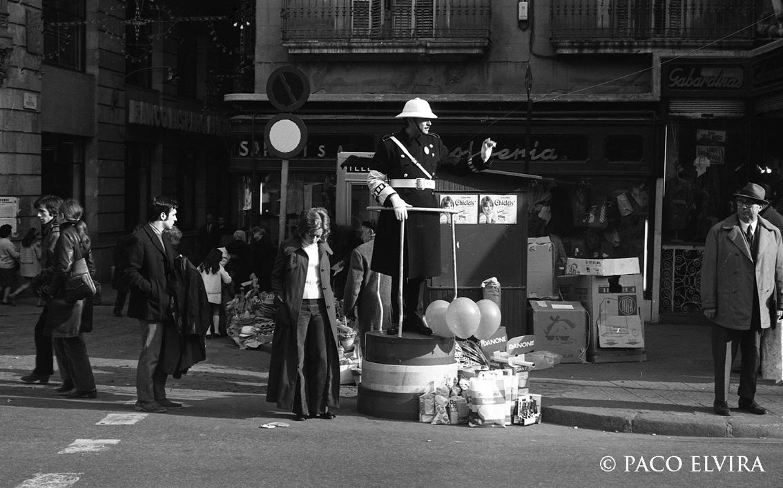 FOTOS HISTORICAS O CHULAS  DE FUTBOL - Página 2 1970BcnMunicipalNavidad