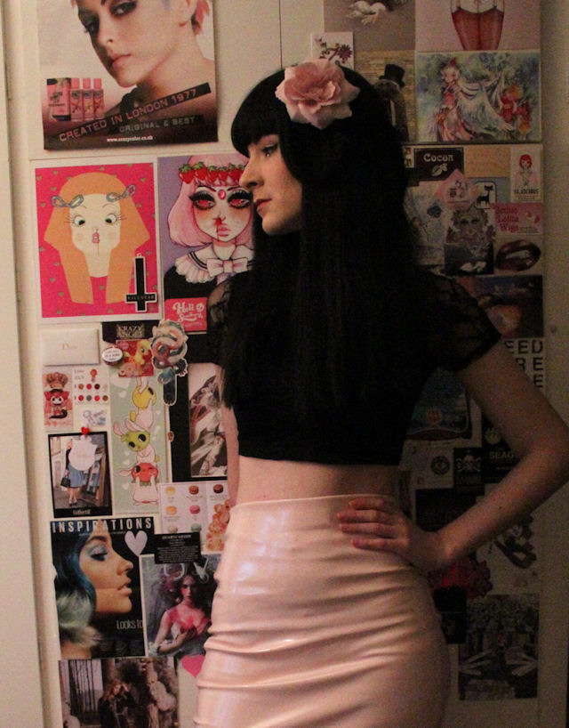 missguided PVC fetish skirt baby pink pencil skirt dita von teese pin up retro wiggle skirt lace crop top primark vintage goth girl alternative betty bettie page fringe hair wig