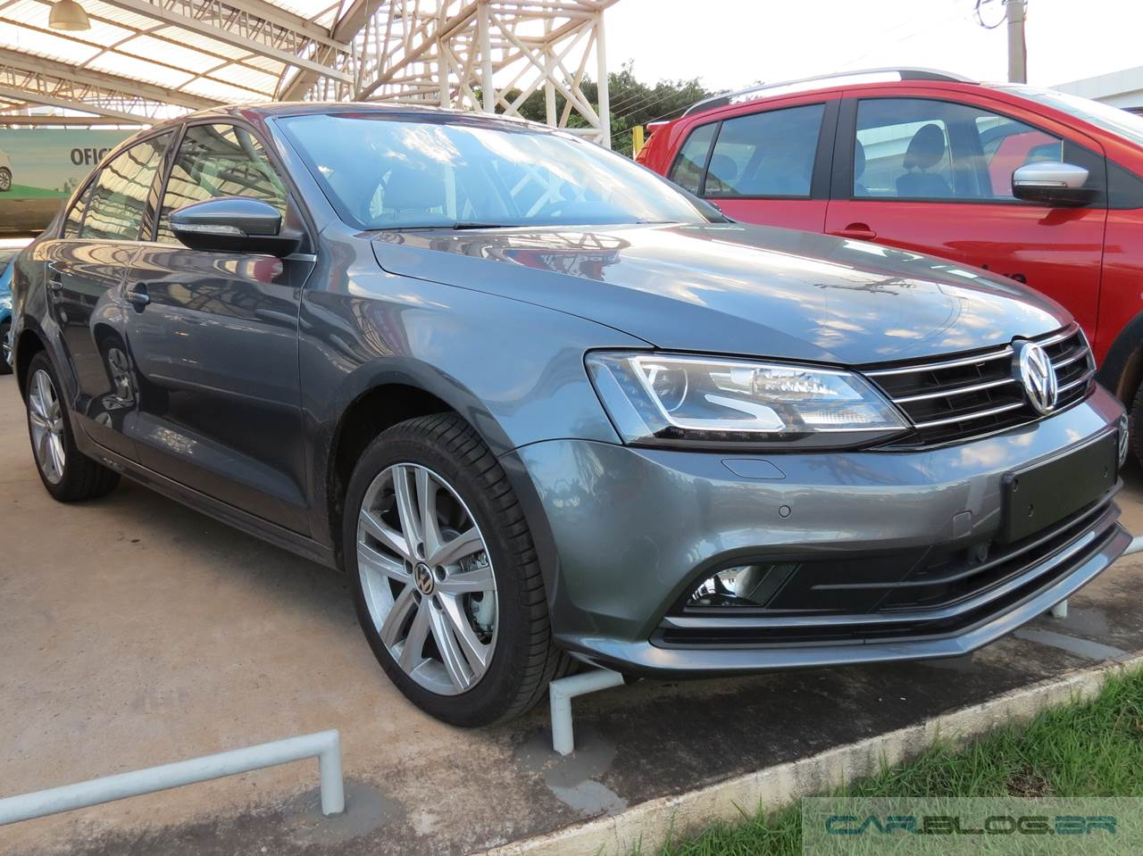 Jetta TSI Highline x Focus Fastback 2016
