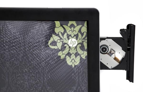 открытый дисковод у моноблока HP TouchSmart 520