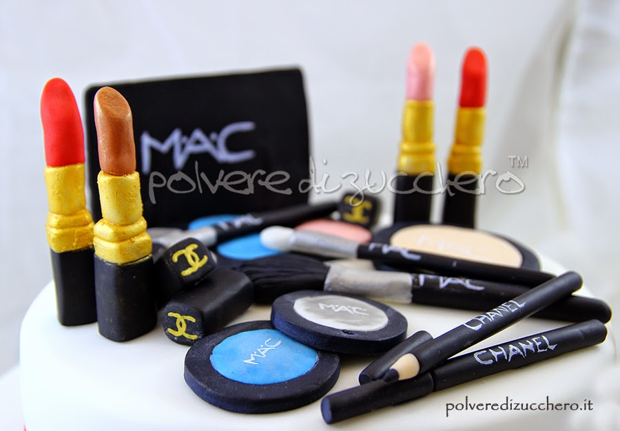 Amato Torta con i trucchi: MAC and Chanel makeup cake | Polvere di  JE51