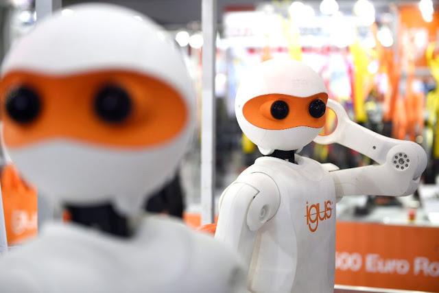 adidas adelanta el futuro con sus trabajadores-robots