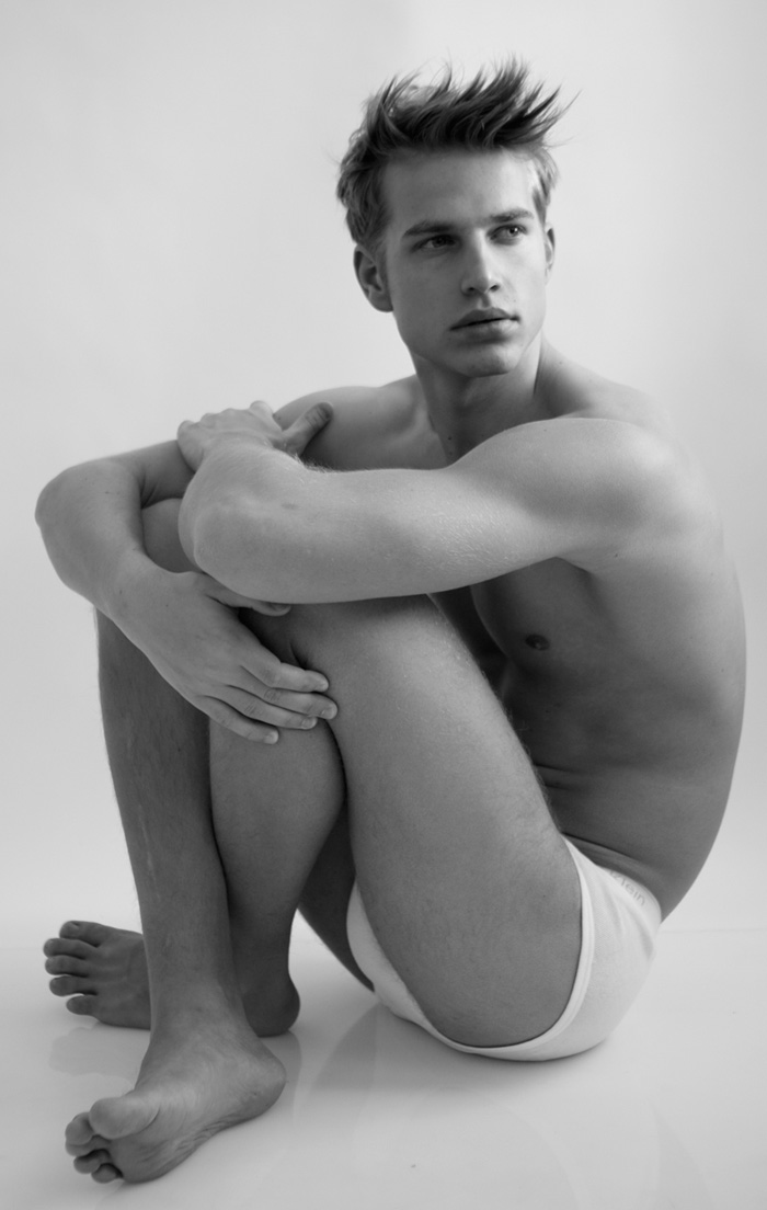 Hunks of Universe: Aaron Bruckner : German Hunk