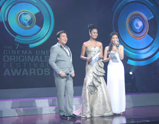 Venus Raj and Alex Gonzaga hosts