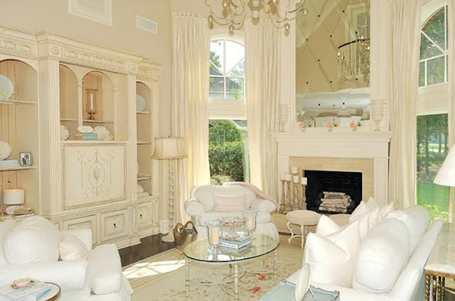 French country style romantic home decor forget the shabby chic abounds for French shabby chic living room