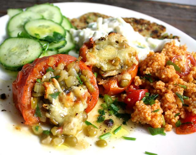 Oppskrift Gratinerte Tomater Ertefyll Grønne Splitterter Vegansk Middag Vegetarmat