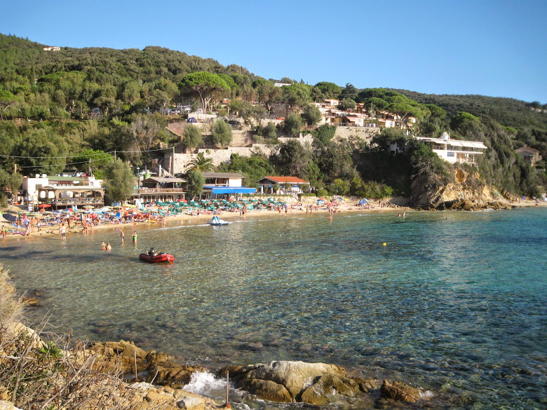 Scaglieri beach on Elba in early September