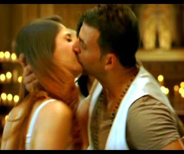 Kareena Kapoor Hot Kissing