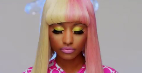nicki minaj super bass video glow in the dark. Nicki Minaj Superbass