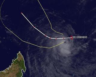 Tropischer Sturm KUENA bildet sich im Dreieck zwischen Mauritius, Madagsakar und den Seychellen, Kuena, aktuell, Satellitenbild Satellitenbilder, Vorhersage Forecast Prognose, Zyklonsaison Südwest-Indik, Juni, 2012, Mauritius, Madagaskar,