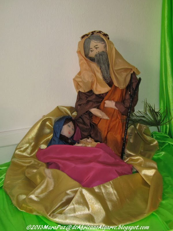 Nativity scene in silk