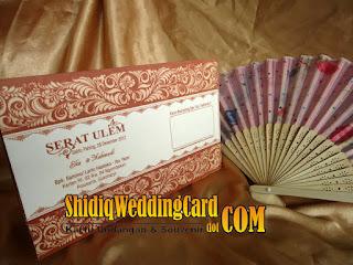 http://www.shidiqweddingcard.com/2016/01/paket-undangan-dan-souvenir-2.html