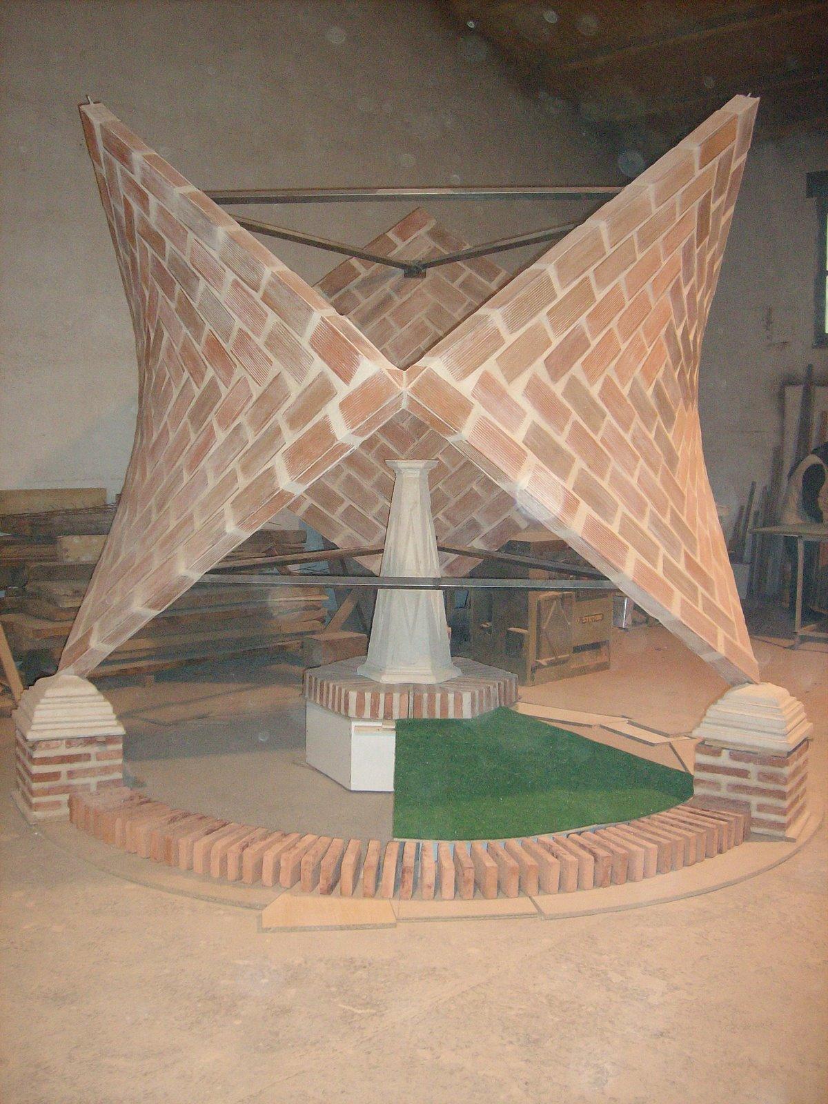 http://1.bp.blogspot.com/-lEnyvkba6mY/TysbPwO4GAI/AAAAAAAAAFs/sl5bOFHP4NE/s1600/monumento.JPG