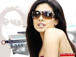 Beautiful top Indian model Priyanka Chopra Hot HD wallpapers 2012