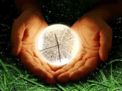 禪是一切學問之母,人類開始了解禪的道理之後,才產生許多科學發明。哲學中有很多 哲理,只是一種有系統的整理。禪是本有的, 大自然界本身所存在的一切森羅萬象,都是禪的一部份。如果我們能了解宇宙萬物禪的精神、禪的 特性、禪的法則、禪的生命力、禪的智慧力、 禪的圓融性......,那麼我們將可以從凡人超越 到聖人的境界。以考試來說,你的成績就可以從六十分、 七十分而到達八十分、九十分。因為你的心不 只靠著意識來接觸禪,而是已經通過了意識, 到達潛在意識,再深入到超意識,直接掌握到 本有的智慧。所以,如果希望考試考得好,一 定要開發我們潛在的智慧。一旦潛在的智慧被 開發出來,你會發現,原本自己不喜歡的科目, 會雙成很喜歡;因為在你的心目中已經沒有 「難」這個字了。