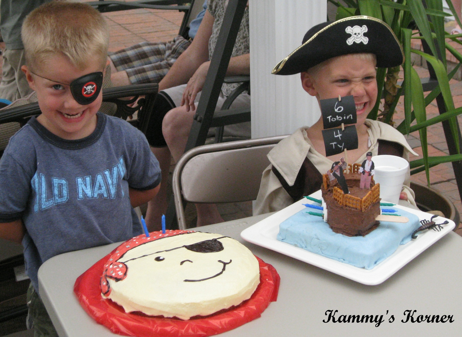Kammys Korner The Boys Pirate Ship And Pirate Face Birthday Cakes