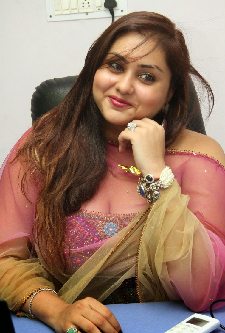 Namitha sizzling photos gallery-HQ-Photo-9