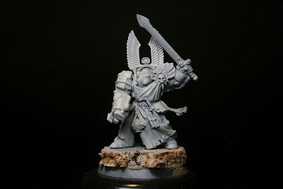 Imprimación gris del exterminador de los Ángeles Oscuros de la caja de Warhammer: Venganza Oscura