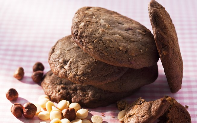 Receita de Cookie de Chocolate com Avelã