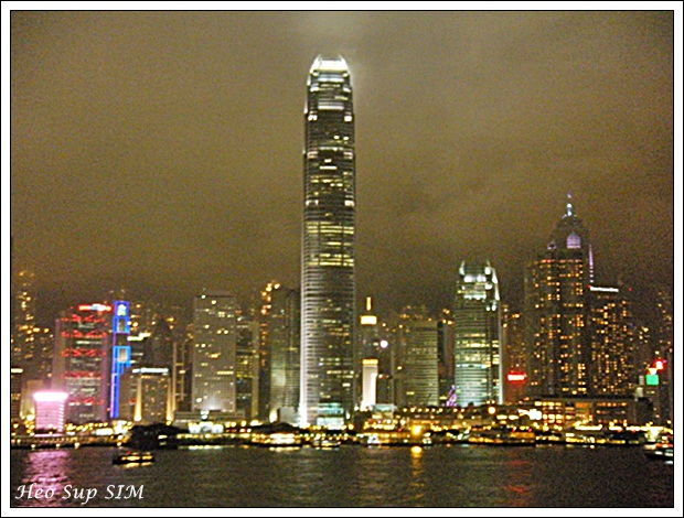 Kok Graa Vaggar : Our dear friends Mark and Billy are both residents of Hong Kong and