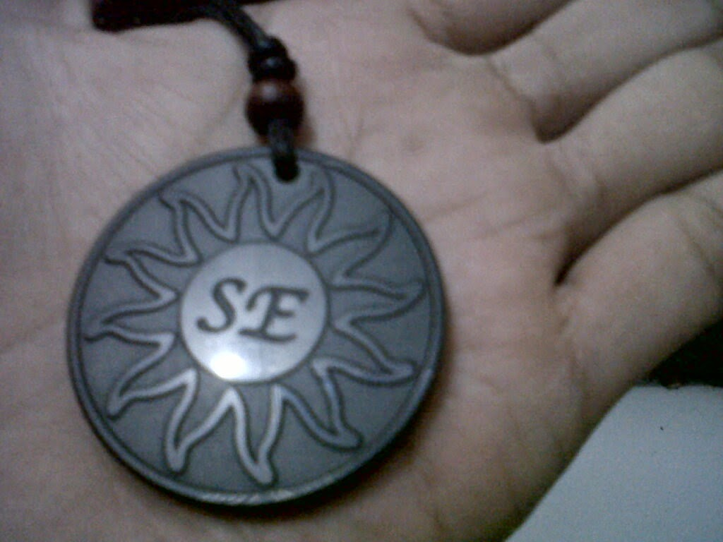 kalung khusus se pendant di telapak tangan saya