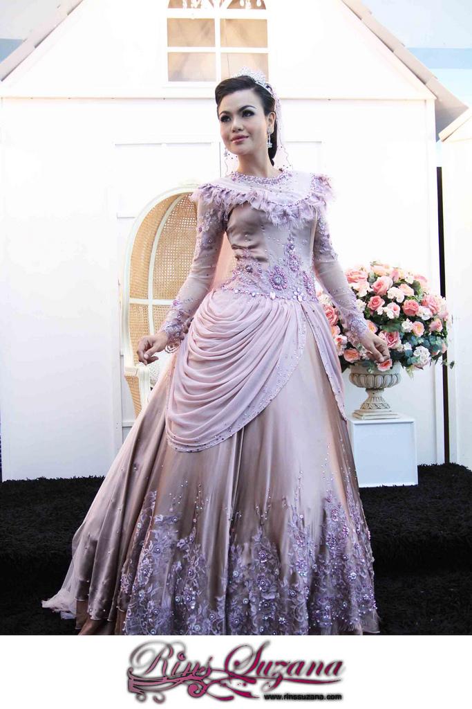 Labels baju pengantin 2012 |