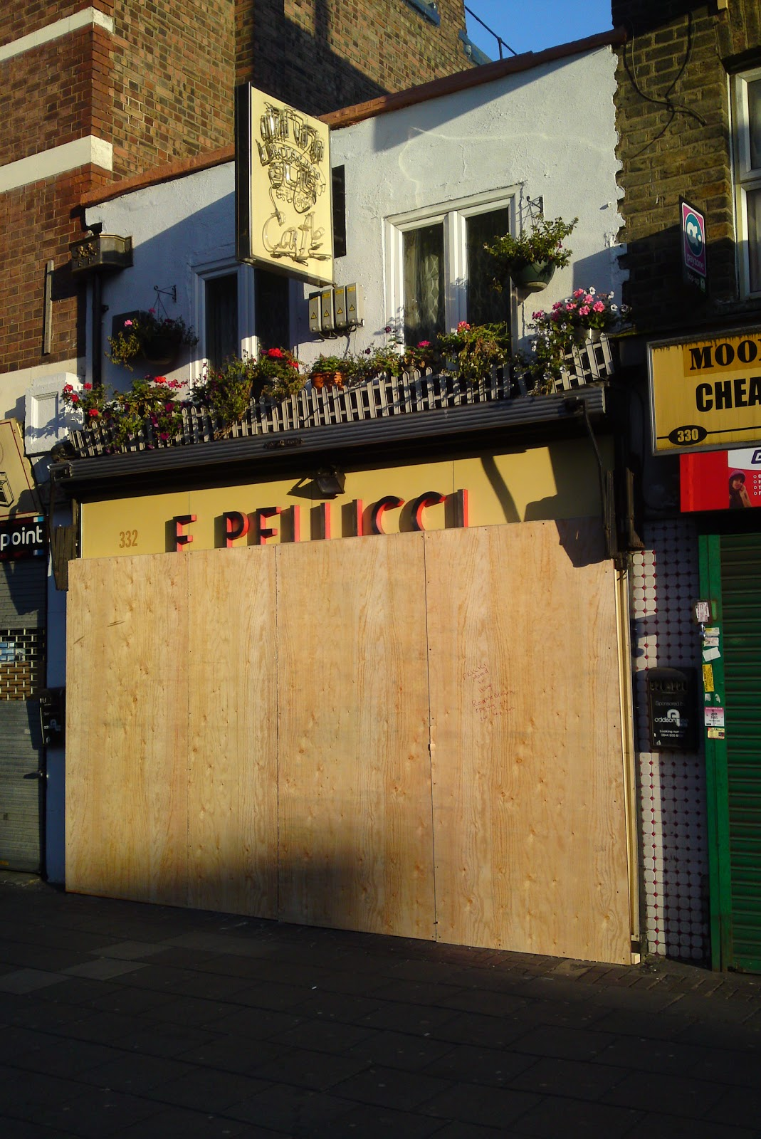 Styling and salvage east london under fire bethnal green for Furniture xpress bethnal green