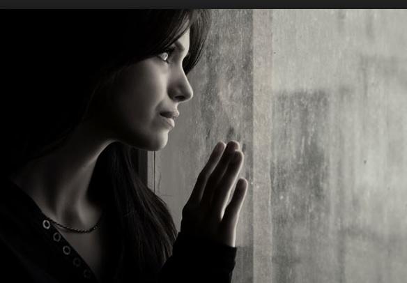 Femrat që fitojnë më shumë se meshkujt rrezikohen nga depresioni