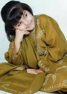 Childhood Pictures: Hansika Motwani Childhood Photos