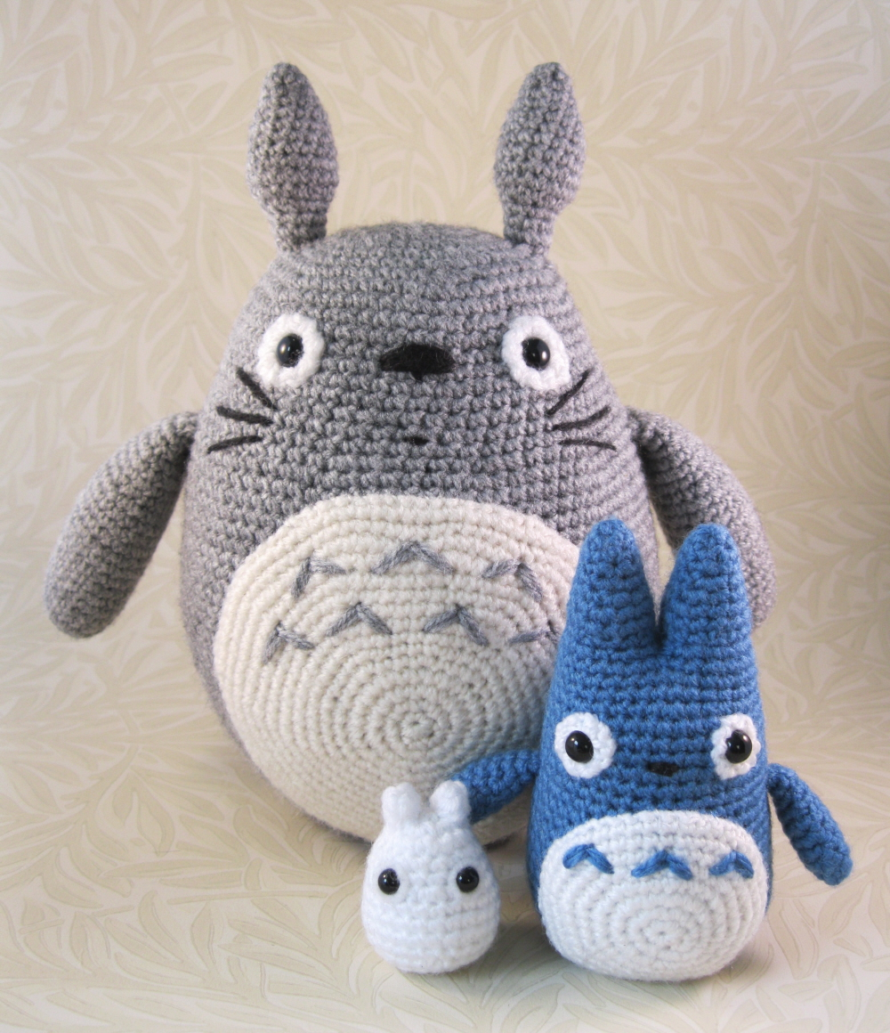 Free Amigurumi Wedding Couple Pattern : LucyRavenscar - Crochet Creatures: All the Totoros!