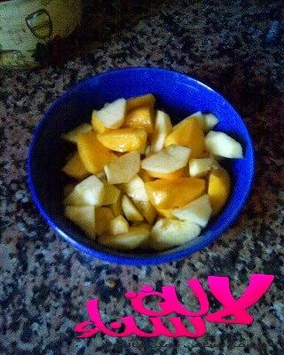 تحضير عصير التفاح والخوخ الرائع