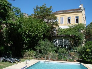 Clos d'Argenson - BnB or holiday rental house, garden, swimming pool in heart of Bergerac