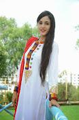 Kanika Kapoor latest photos-thumbnail-7