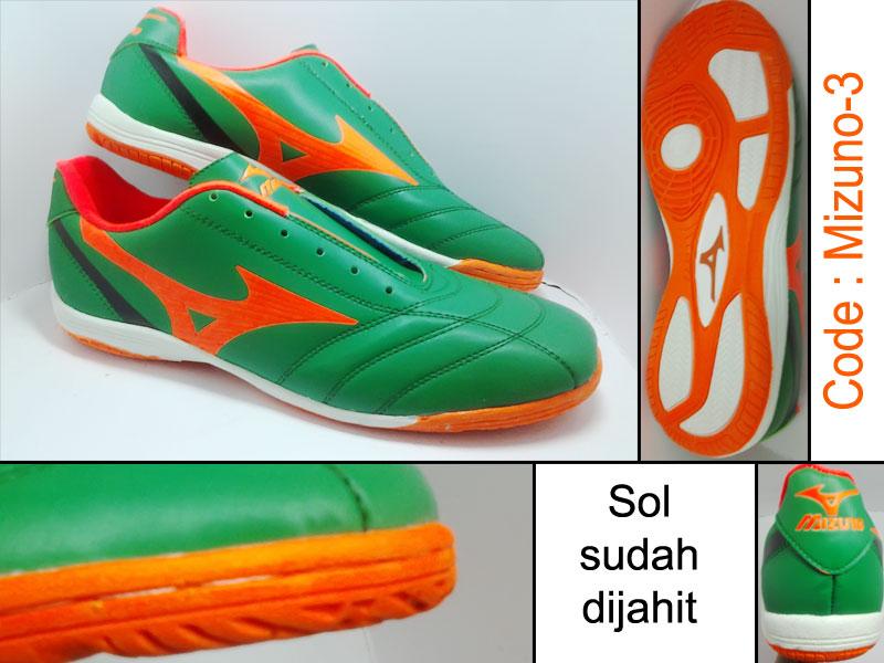 Sepatu Futsal Mizuno