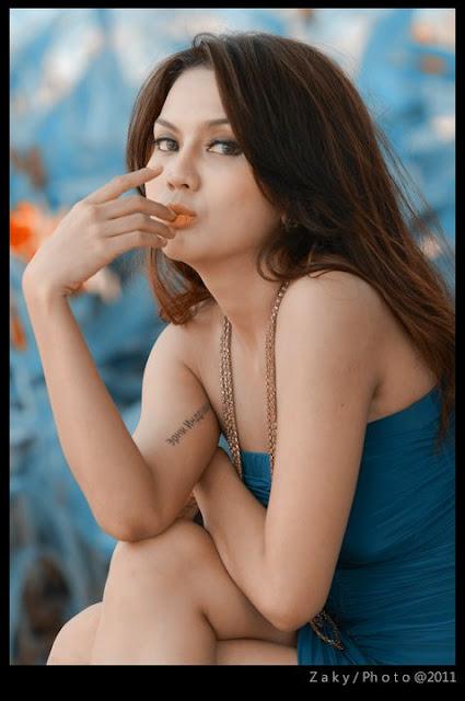Foto dan Profile Anggita Sari Model Seksi Majalah Indonesia