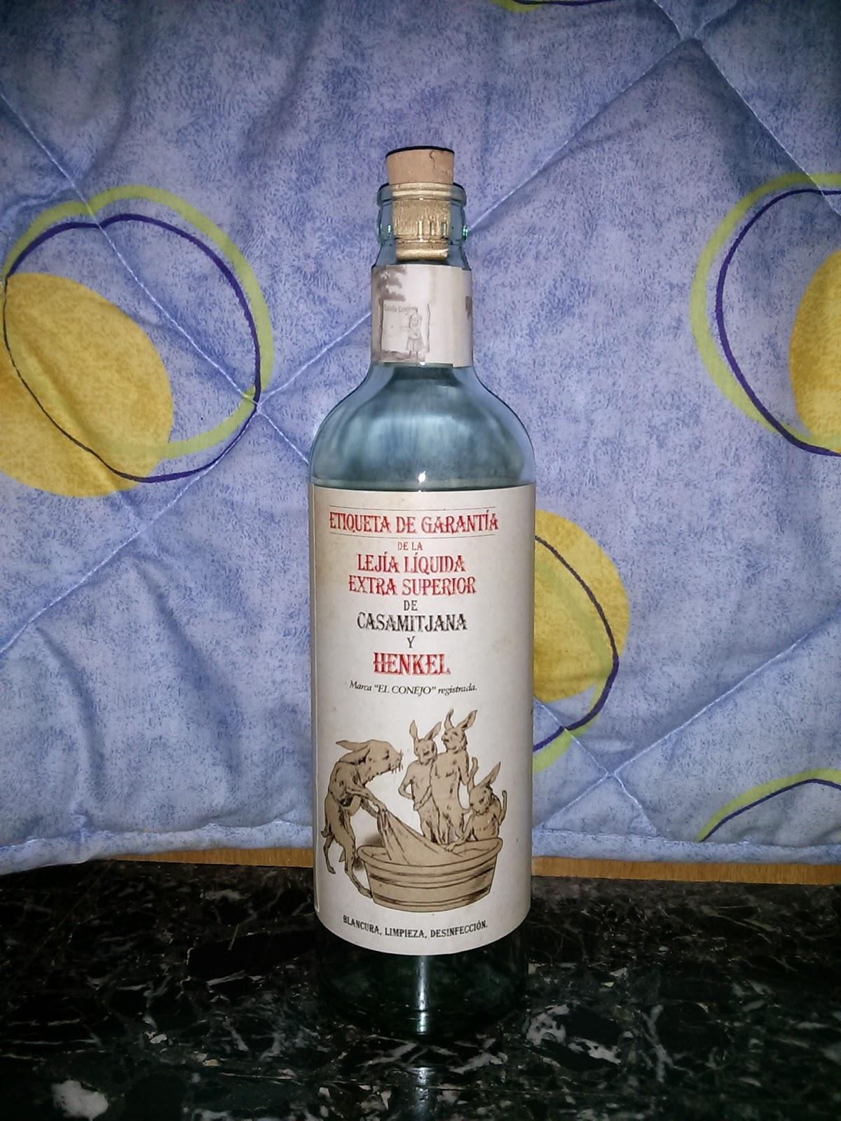 Conejo primera botella lejia