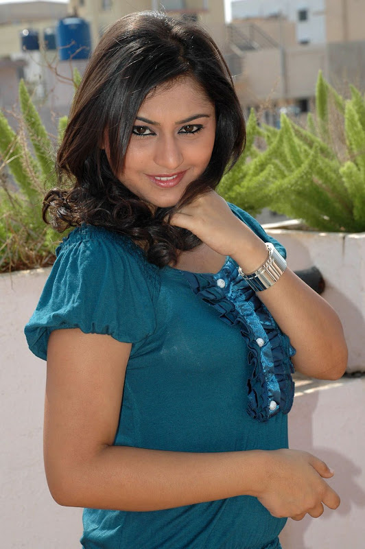 Ramya Barna  Kannada Actress Cute Stills PicsPhotos  Ramya Barna Wiki gallery pictures