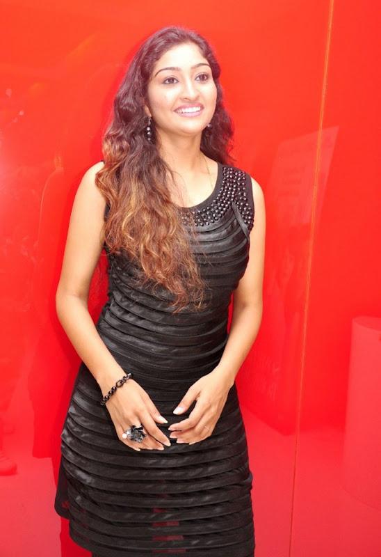Tamil Actress Neelima Rani Hot Photo Shoot Gallery cleavage