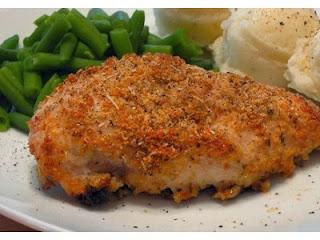 http://recetasdecocina.info/2011/06/01/receta-de-pollo-parmesano-al-horno/