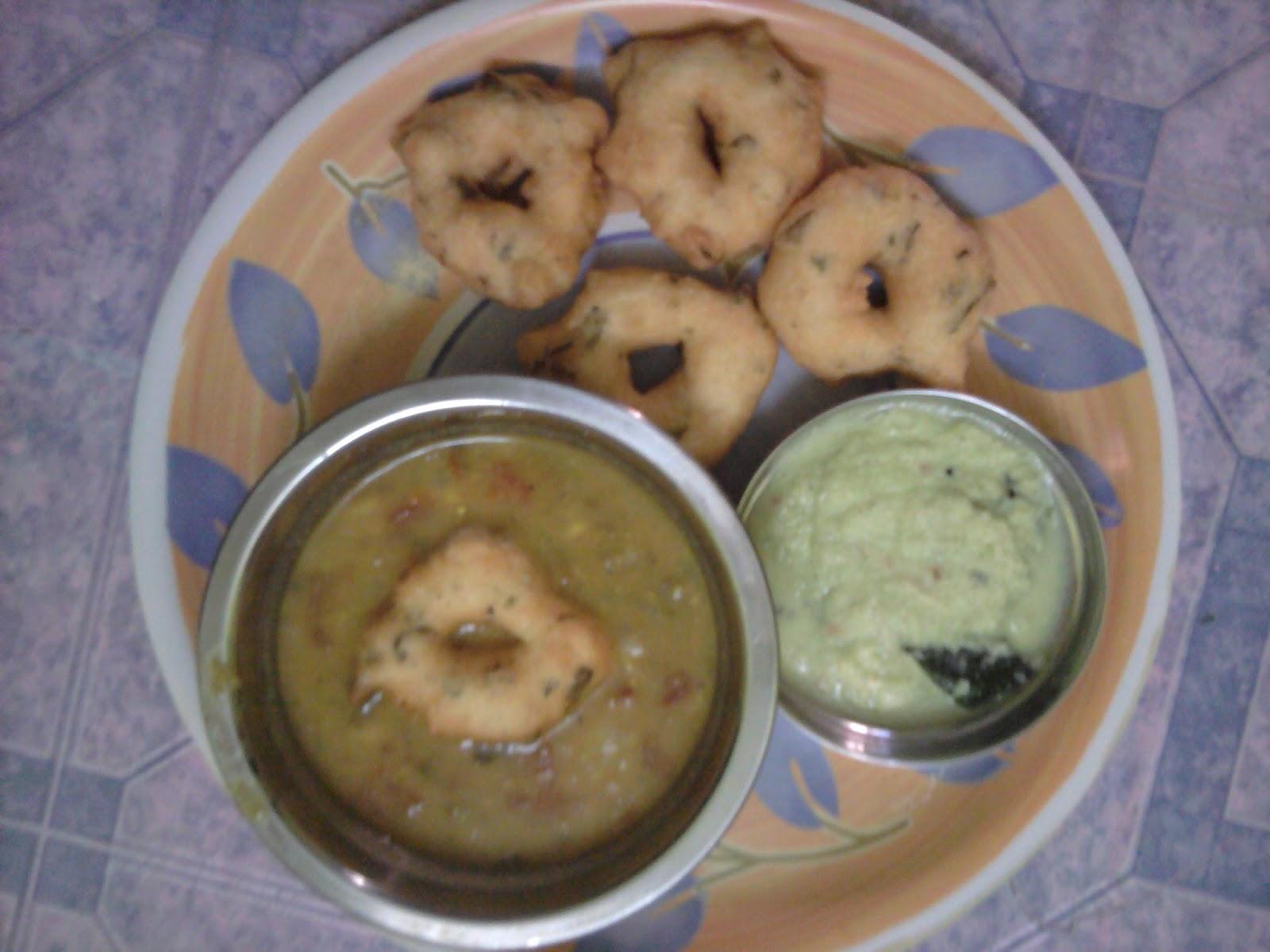 Supriya's Rasoi: Medu vada