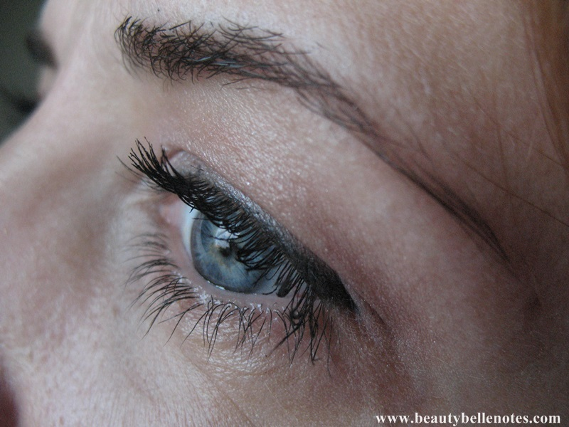 Max-Factor-False-Lash-Effect-Mascara-review-photo-06